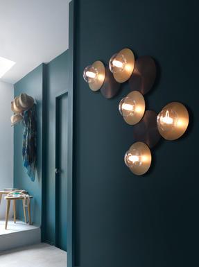 applique 5 lampes design cvl dots laiton massif dots b 5l m t ore appliques design chez. Black Bedroom Furniture Sets. Home Design Ideas