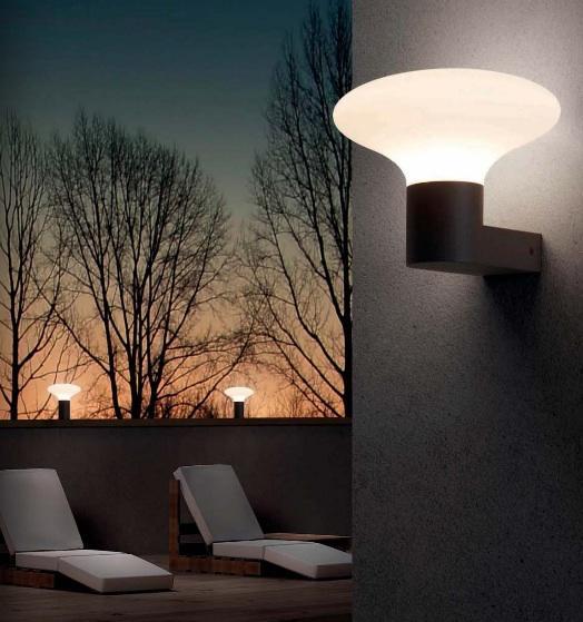 Lampadaire ext rieur 3 lampes design faro bulb 39 s gris for Lampadaires exterieurs design